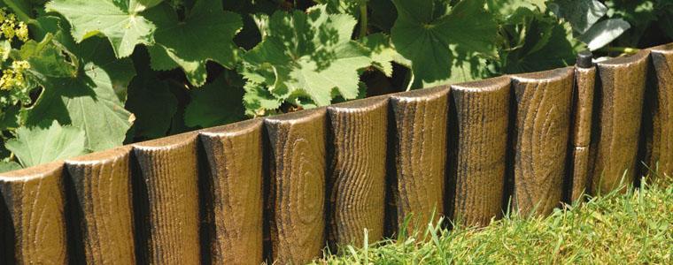 Come bordare le aiuole in giardino for Aiuole in legno